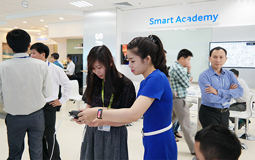 Samsung opens Hanoi B2B and post sales services | Corporate News