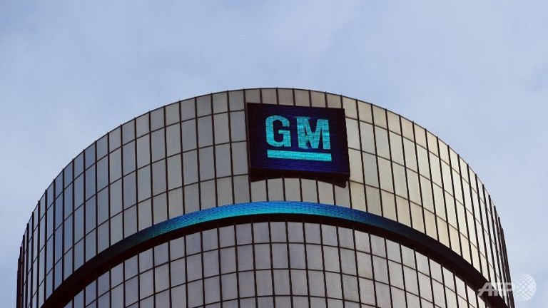 GM dealers stop Cruze sales over faulty Takata airbags