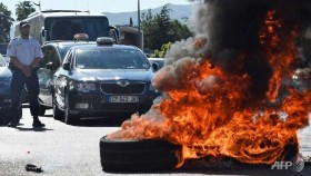 french anti uber protests turn violent