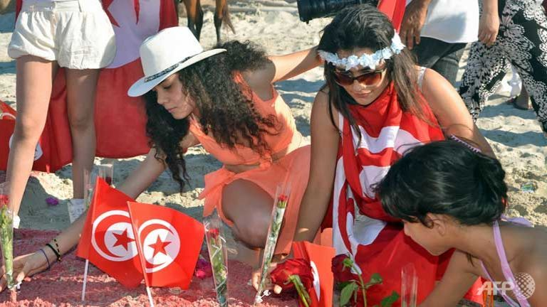 european tourists cancelling tunisia vacations after massacre