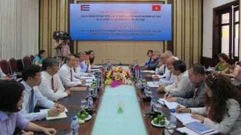 vietnam, cuba ministries enhance transport cooperation hinh 0