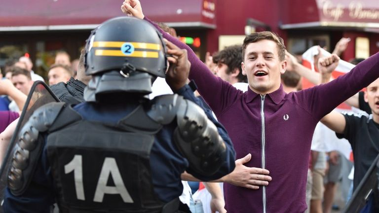 French riot police break up Euro 2016 hooligans