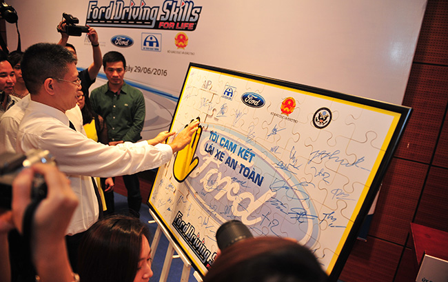 ford vietnam kickstarts 9th year of driving skills for life programme