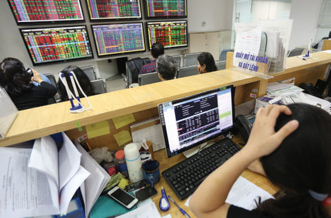 shares gain on vn us business deals