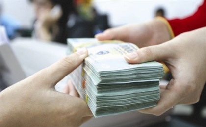 consumer loans rise nearly 30 by end may