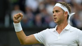 Willis one win from Wimbledon return