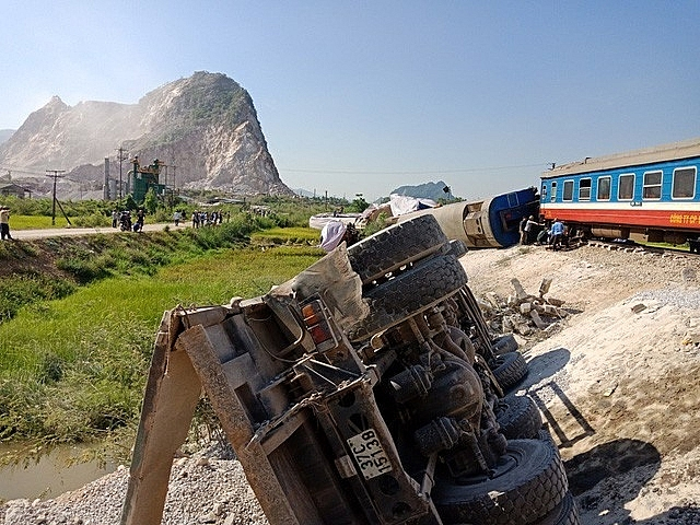 railway officers suspended following train accidents