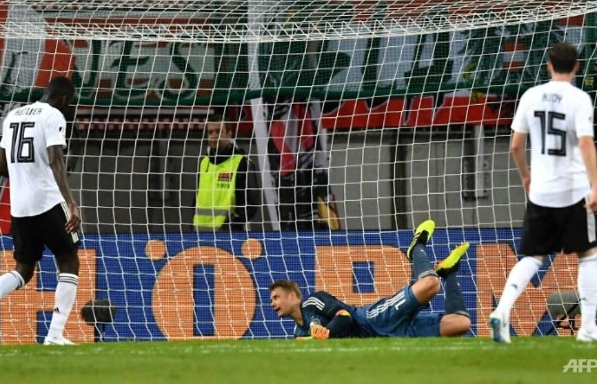 germany crash to austria on neuers comeback