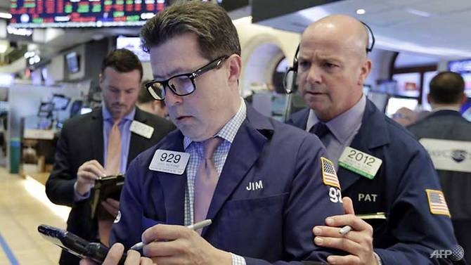 nasdaq hits fresh record on tech stocks push