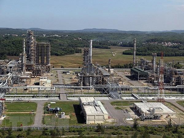 dung quat oil refinery among top 10 green factories