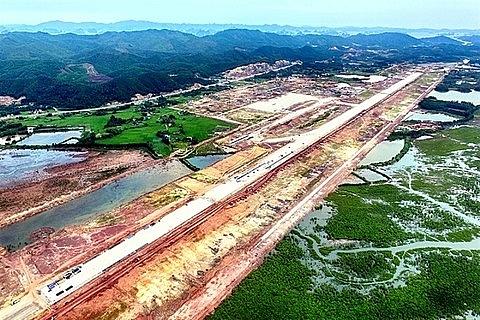 van don airport set to open in december