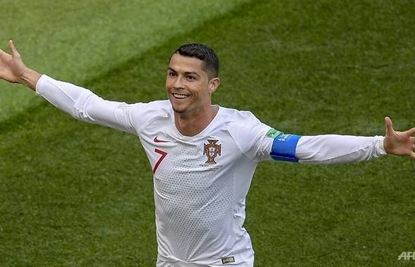 world cup ronaldo earns portugal 1 0 win as moroccos hopes end