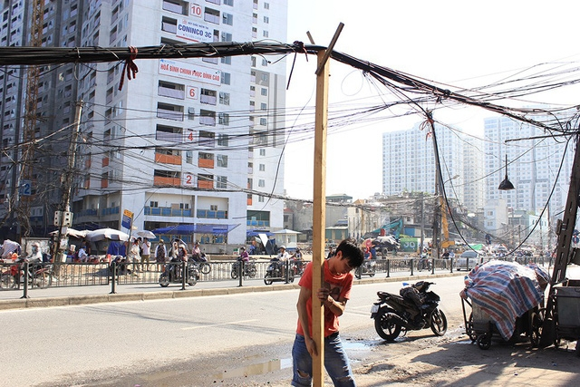 tangled electrical wires on hanoi streets