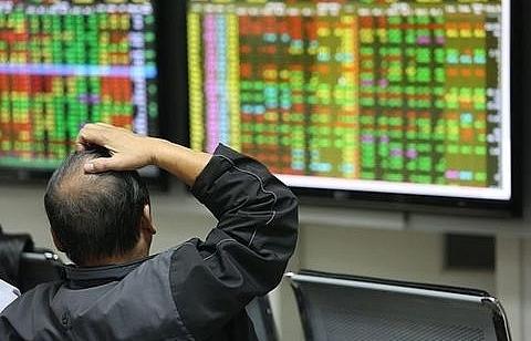 vn stocks remain marginal amid volatile global markets