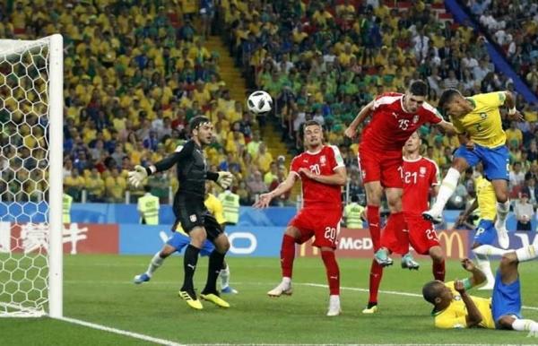world cup thiago paulinho steer brazil into last 16