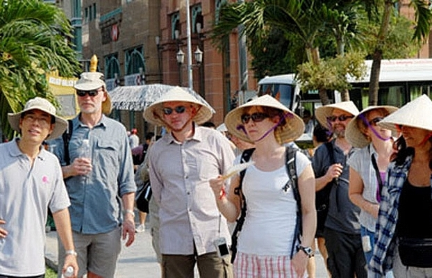 foreign tourists happy with vietnams visa exemption policy