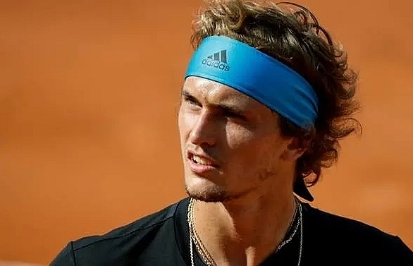 zverev happy for tsitsipas to steal spotlight