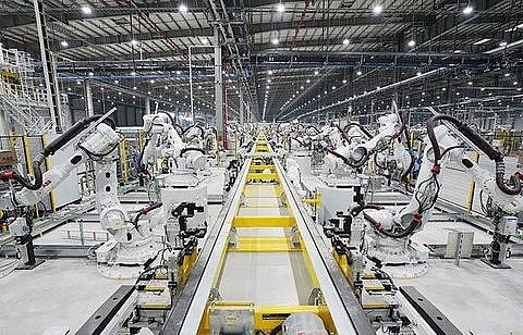 Automobile industry develops but local part supply still low