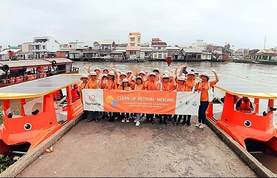 rok firm funded campaign helps clean mekong river