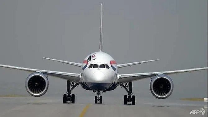 pressure mounts on aviation industry over climate change