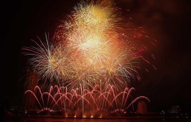 brazil belgium debut at da nang intl fireworks festival