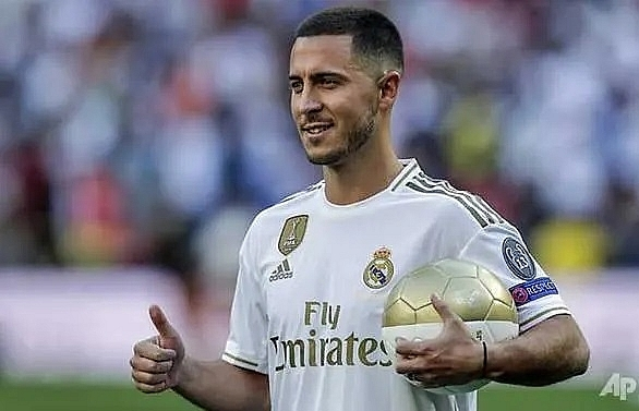 hazard unveiled to 50000 real madrid fans at santiago bernabeu