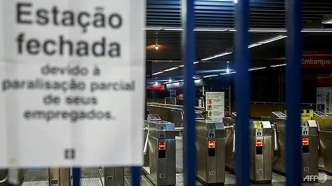 brazil strike disrupts transport ahead of copa america
