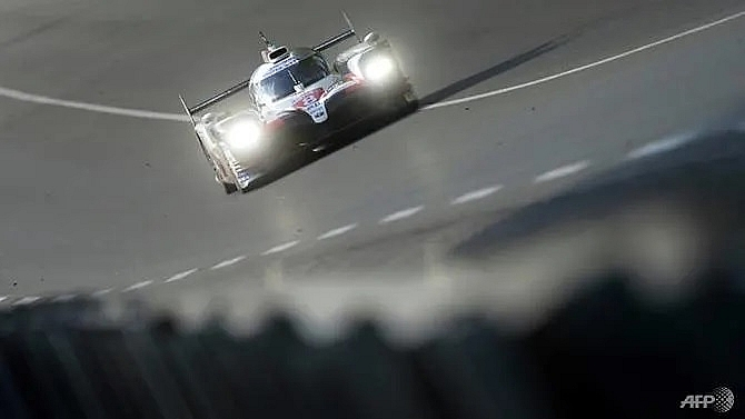 toyota set pace as 24 hours of le mans starts