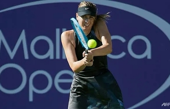 sharapova makes winning return in mallorca open