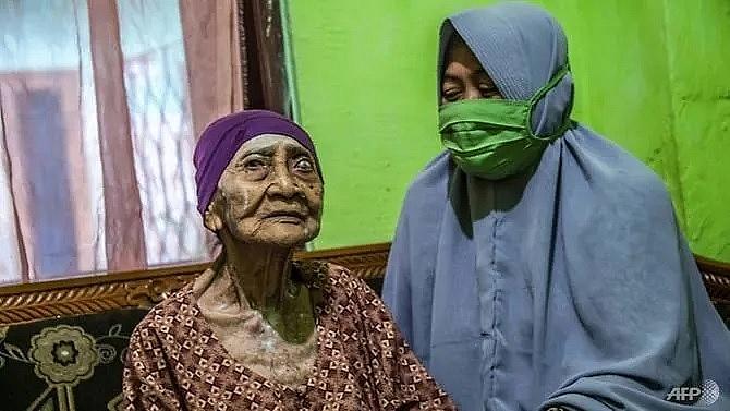 100 year old indonesian woman beats coronavirus