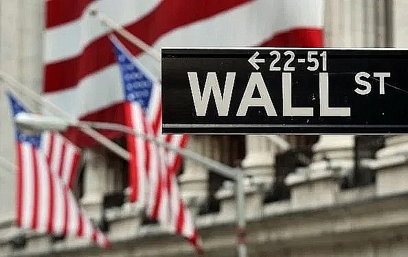 dow ends up 21 extending rally on recovery hopes
