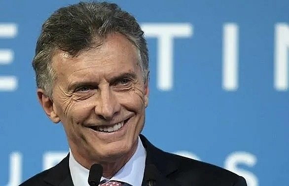 argentina ex president macri accused of spying on 400 journalists
