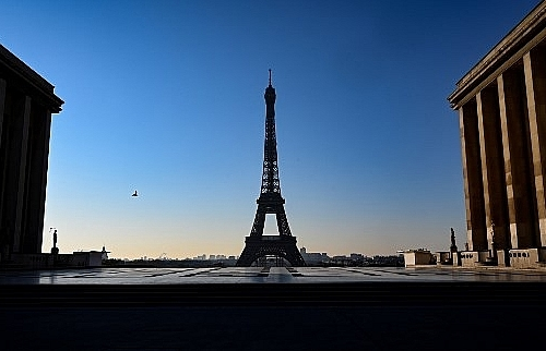 eiffel tower to reopen to public on jun 25