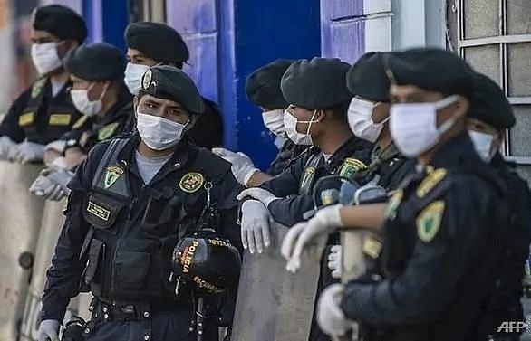 170 police officers die of coronavirus in peru minister
