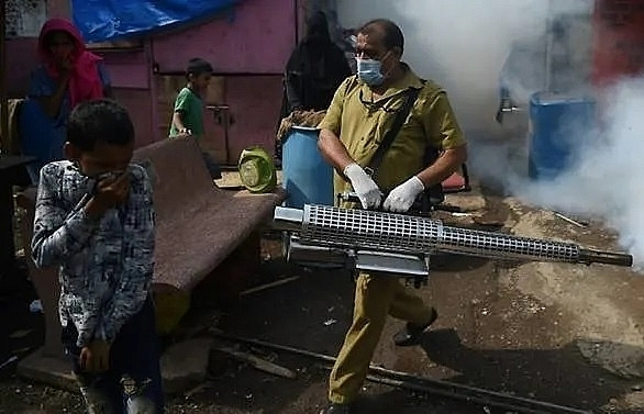 virus hit indias overwhelmed health workers brace for monsoon