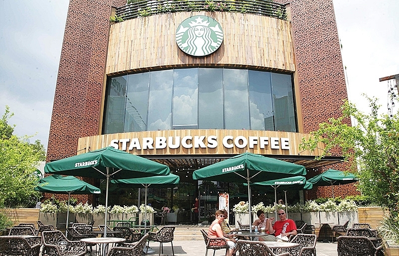 locals displeased with cursoriness of starbucks vietnam in resolving thefts
