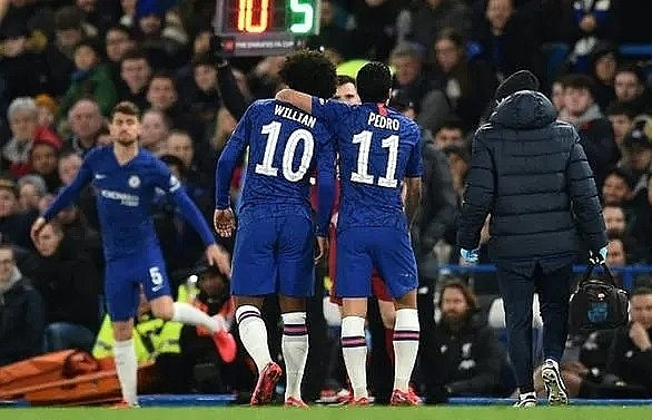 chelsea duo willian pedro sign on for rest of season