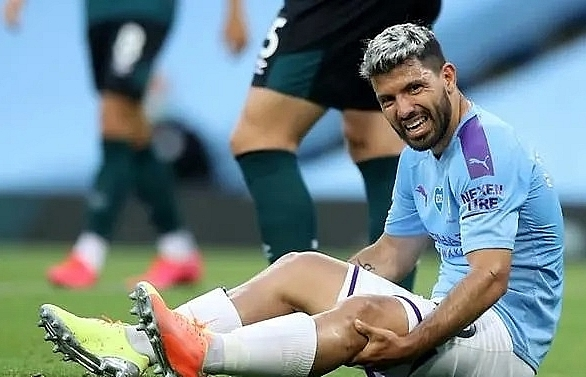 man citys aguero sent to spain for check on knee injury