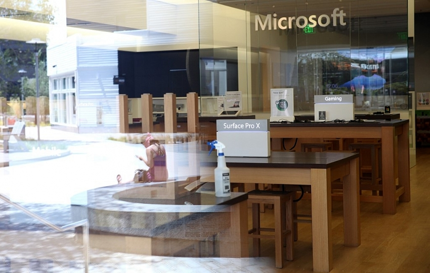 microsoft to permanently close all retail stores