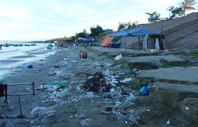 curbing single use plastic conundrum in vietnam