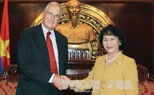 us investors welcomed in hanoi