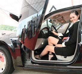 luxury cars roll into vietnam despite economic doldrums