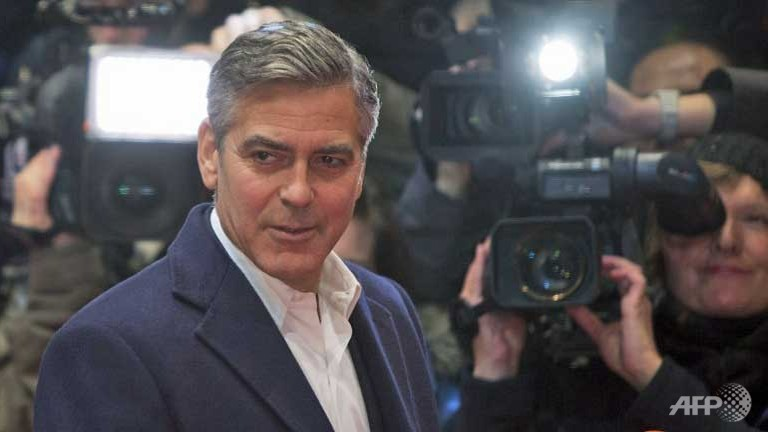 """Clooney slams 'fabricated' """"Daily Mail"""" story on fiancee's mother"""