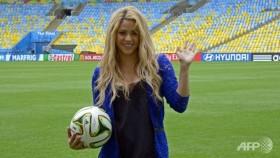 shakira santana samba for world cup closure