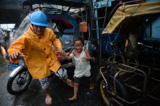 Typhoon Rammasun leaves at least 27 dead in Philippines