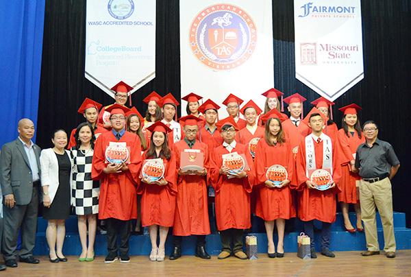 American School seniors celebrate success at high school graduation
