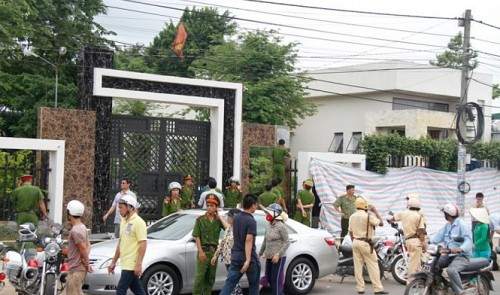 six in wood magnate family have throats cut in massacre in southern vietnam