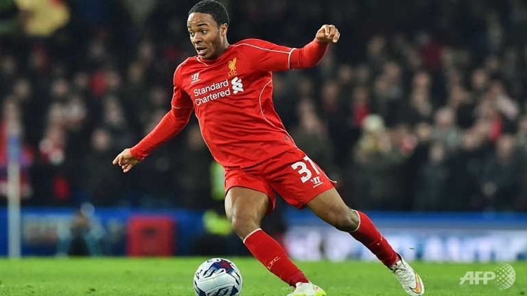 Sterling completes record move to Manchester City