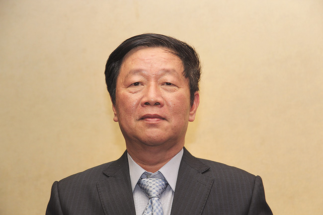 vietnams insurance market booming