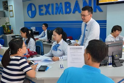 banks cut short term deposit interest rates